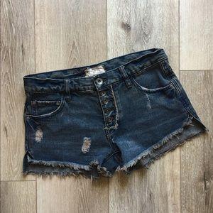 Free People Distressed Dark Wash Shorts Sz 24 EUC